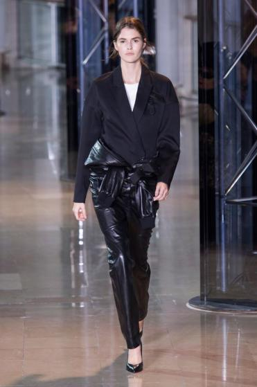 defile-anthony-vaccarello-automne-hiver-2016-2017-paris-look-8