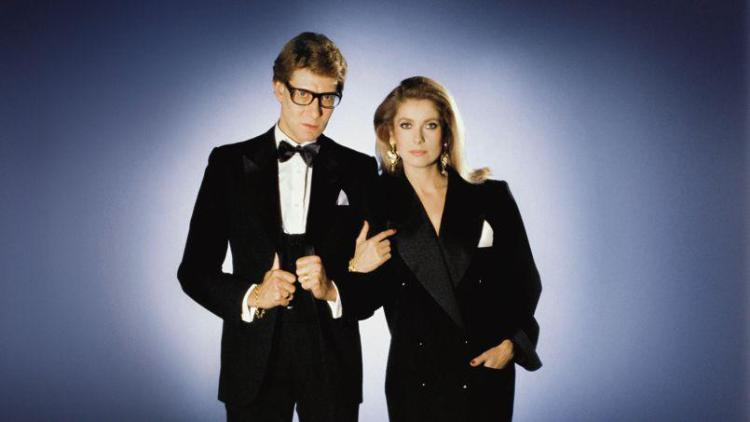 Yves-Saint-Laurent-Catherine-Deneuve-smoking