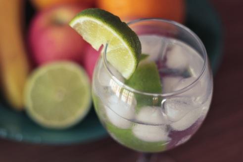 alcohol-bar-party-cocktail-caipirinha