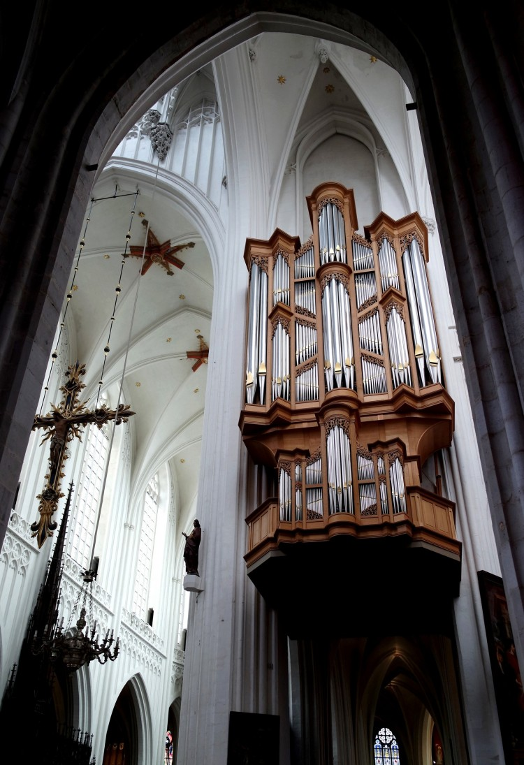 Antwerpen_cathedral_1