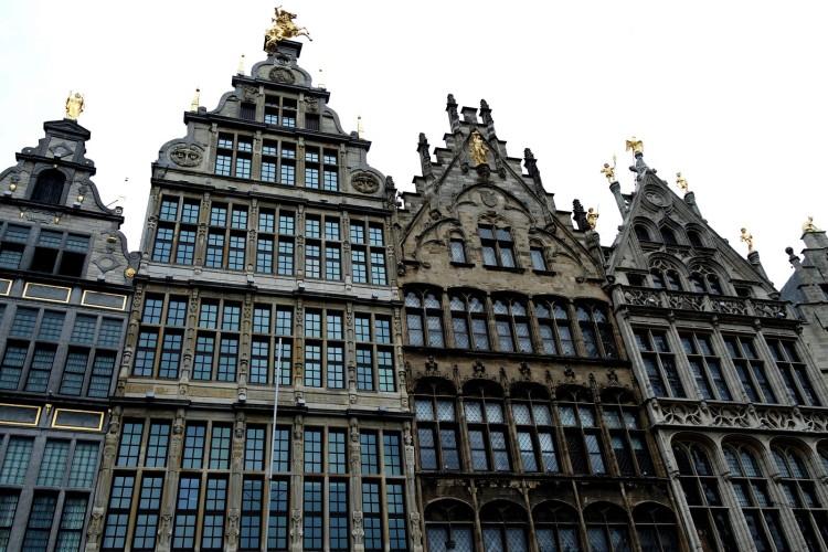 Antwerpen_grandplace2