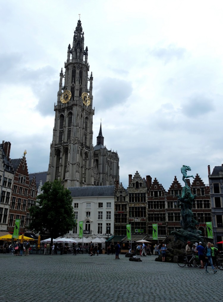 Antwerpen_grandplace3