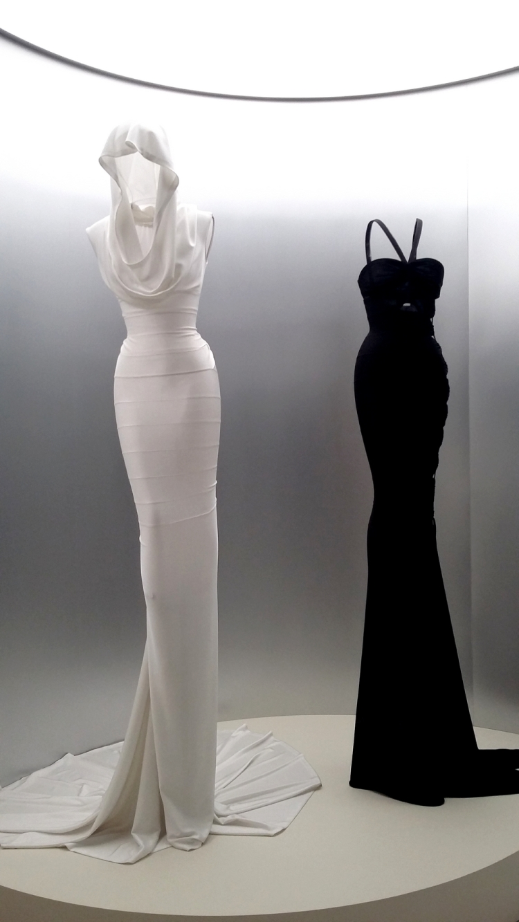 azzedinealaia-jesuiscouturier-2