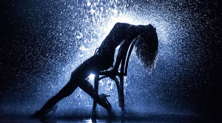 flashdance-shower