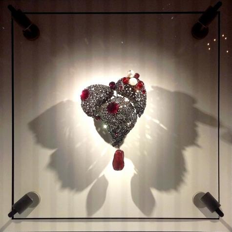 musee-ysl-paris-heartjewel
