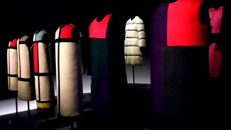 glowbalfashion-ysl-mondrian-expo-3