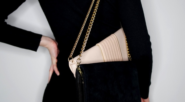 trends_access_fallwinter_1920_doublebag